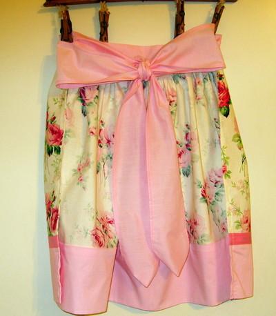 Pink_apron3